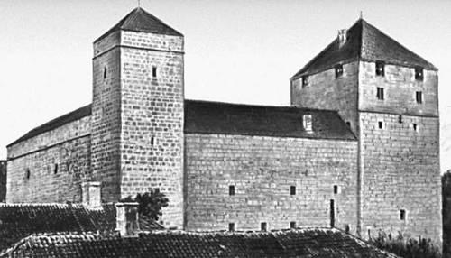 Курессаарский замок. 14—15 вв. Современный вид.