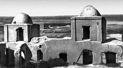 Руины архитектурного ансамбля в Талхатане Марыйской области. 19 в.