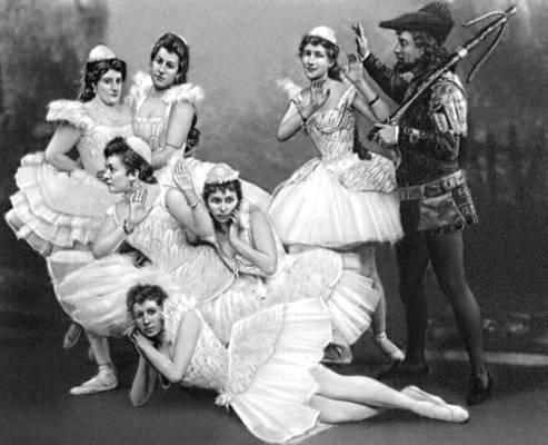 Сцена из балета «Лебединое озеро» П. И. Чайковского. Балетм. М. И. Петипа и Л. И. Иванов. Петербург. 1895.