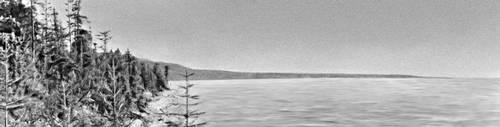 Байкал. Северо-восточный берег. Вдали — мыс Кабаний.