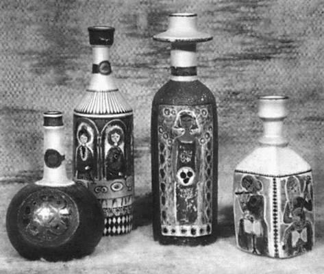 С. А. Сымер. Декоративные бутыли. Керамика, смешанная техника. 1967.