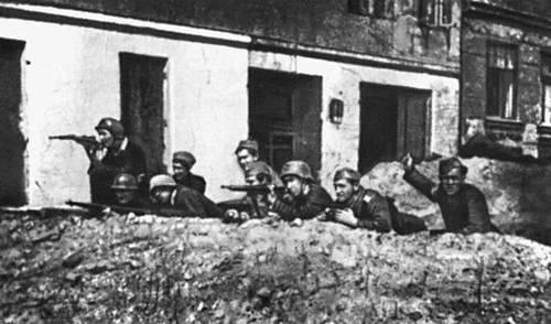 Польша в 1939—45. В дни Варшавского восстания 1944.