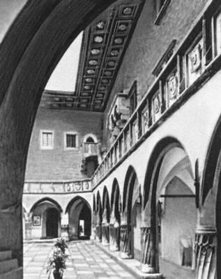 Внутренний двор «Коллегиума Майус» (здание Ягеллонского университета). 1492—97.