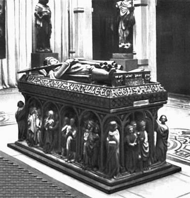 Скульптура 12—15 вв. Надгробие Генриха IV. Камень. Около 1300. Силезский музей. Вроцлав.