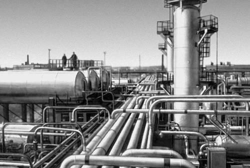 Оренбургская область. На газовом промысле близ Оренбурга.