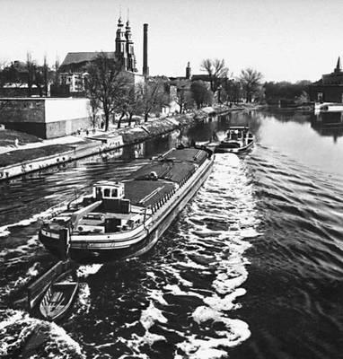 Баржи на реке Одра (Одер).