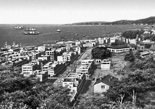 Город и порт Сандакан в Сабахе.