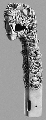 Голова фантастического зверя (из Осеберга). 9 в. Музей кораблей викингов на полуострове Бюгдё. Осло.