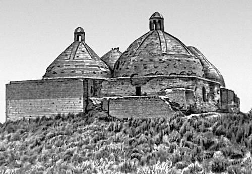 Мавзолей Астана-баба. 11—12 вв. Многократно перестраивался.