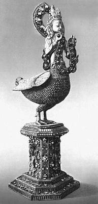 «Гаруда» (мифическая птица). Латунь, коралл, бирюза. 18 в. Музей искусства народов Востока. Москва.