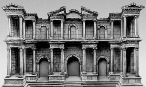 Милет. Ворота южной агоры. Около 170. Ныне — в Античном собрании, Берлин.