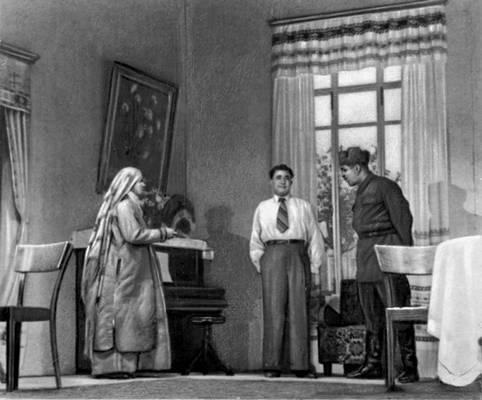 Сцена из спектакля Театра драмы им. Молланепеса: «Семья Аллана».