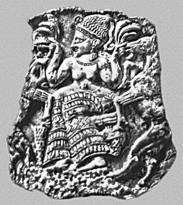 Мифология. Финикия. Богиня плодородия, кормящая козлов. Крышка ларца из Минет-Эль-Бейда (Сирия). Слоновая кость. 1-я половина 14 в. до н. э. Лувр. Париж.