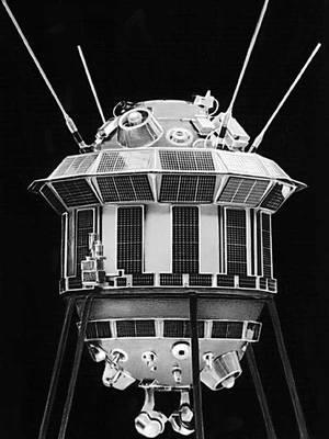 Рис. 2. Автоматическая межпланетная станция «Луна-3».