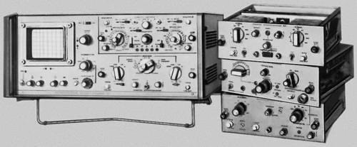Рис. 2. Универсальный осциллограф со сменными блоками.