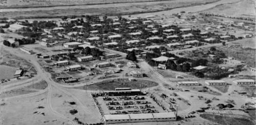 Поселок Ничка на берегу Каракумского канала.