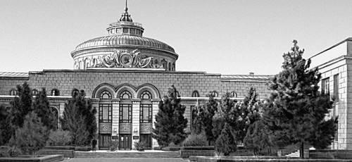 А. Н. Афанасьев, Е. А. Раевская. Здание ЦК КП Туркменистана. 1952—55. Ашхабад.