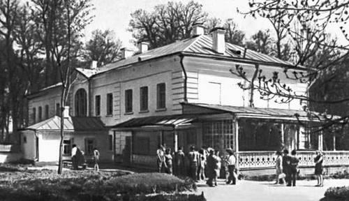 Дом-музей Л. Н Толстого в Ясной Поляне.