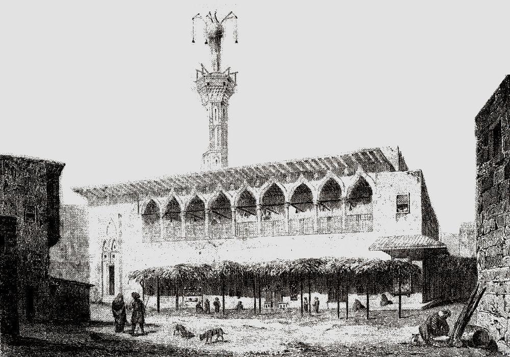Крытый рынок и большая мечеть в Александрии