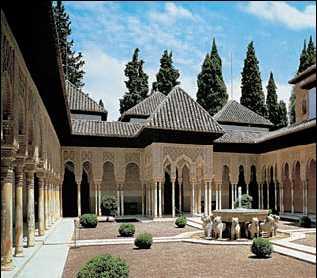 Львиный дворик в Альгамбре. 13в.