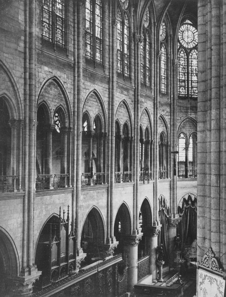 Собор Парижской богоматери. 1163 - 1257. Интерьер.