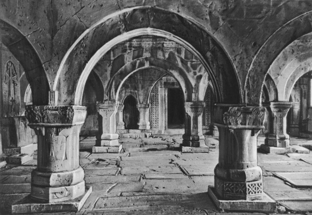 Гавит монастыря Санаин. 1211.