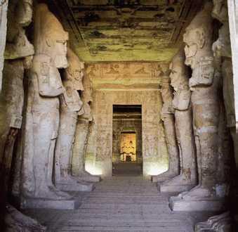 Храм Рамсеса II в Абу-Симбеле. Зал с осирическими колоннами. Первая пол. 13в. до н.э.