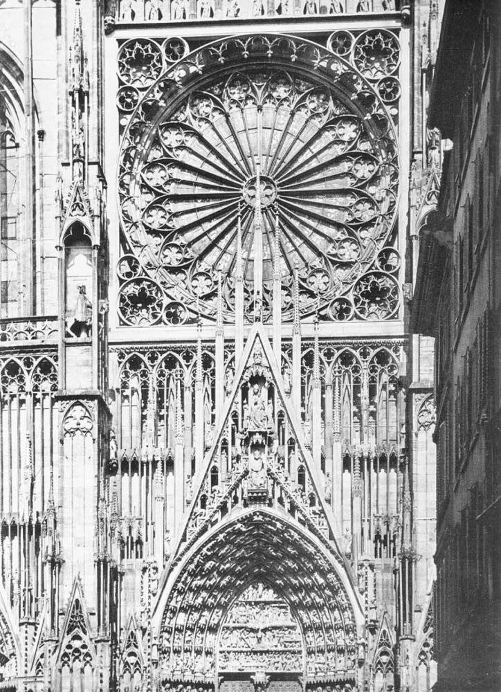Фасад собора в Страсбуре (Франция). Начат около 1277. Центральная часть.