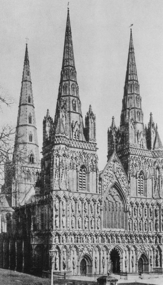 Собор в Личфилде. 1170 - 1335. (башни - 14 в.).